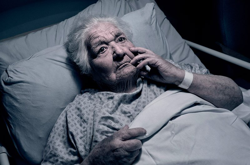 confused scared senior patient