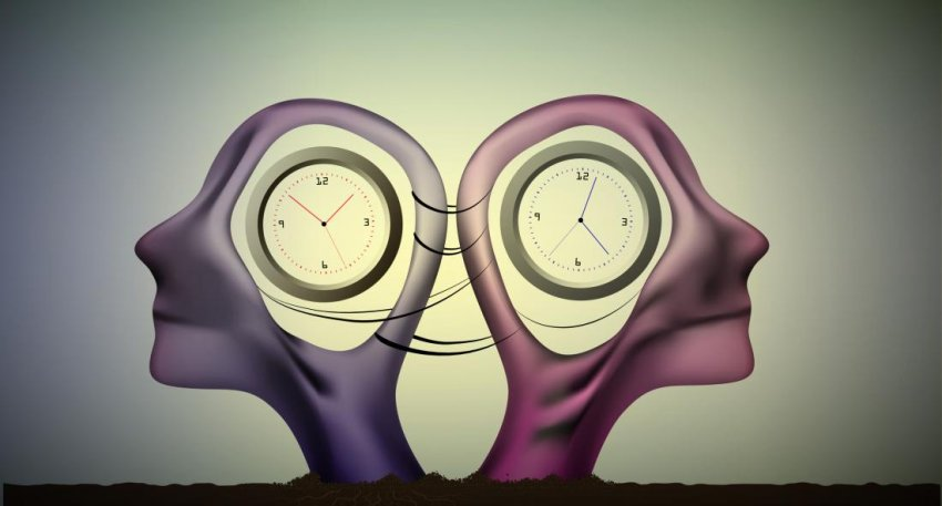 two heads containing clocks